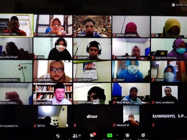 Training Of Trainer MAN 1 Tulungagung Secara Daring (online)