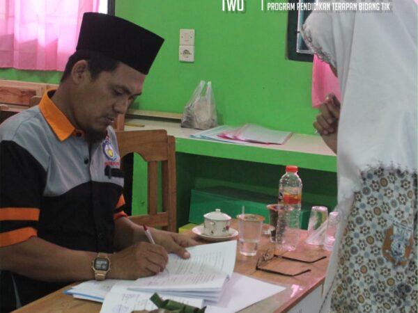 Ujian Tugas Akhir Siswa-Siswi PRODISTIK di MA Senori Tuban